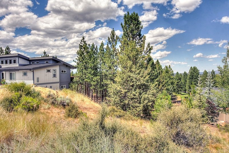 Bend Oregon land sales